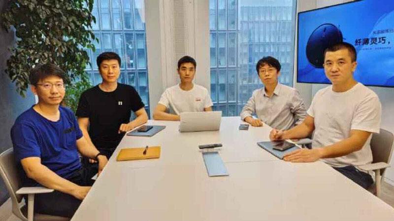 Команда MIUI Pioneer Group состоит из пяти специалистов
